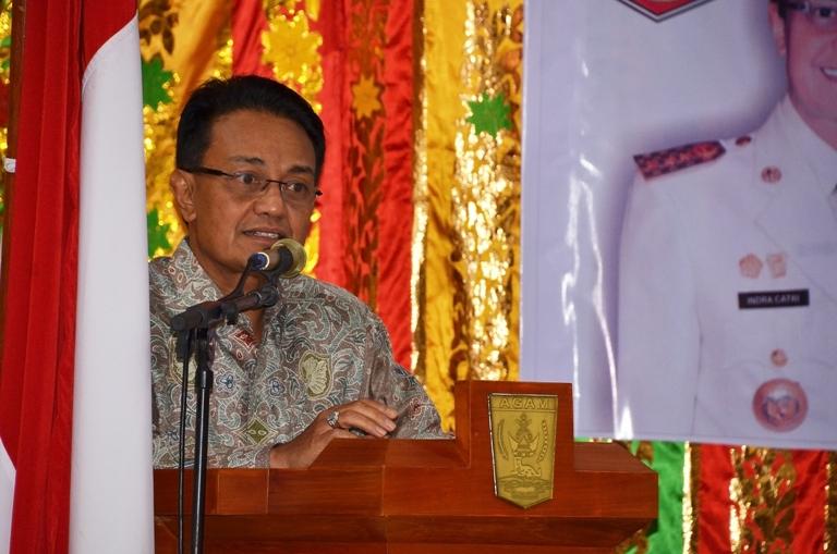 Bupati Agam, Indra Catri saat membacakan sambutan pada acara malam resepsi kenegaraan di Aula Bappeda Kabupaten Agam, Kamis malam. Foto : Istimewa