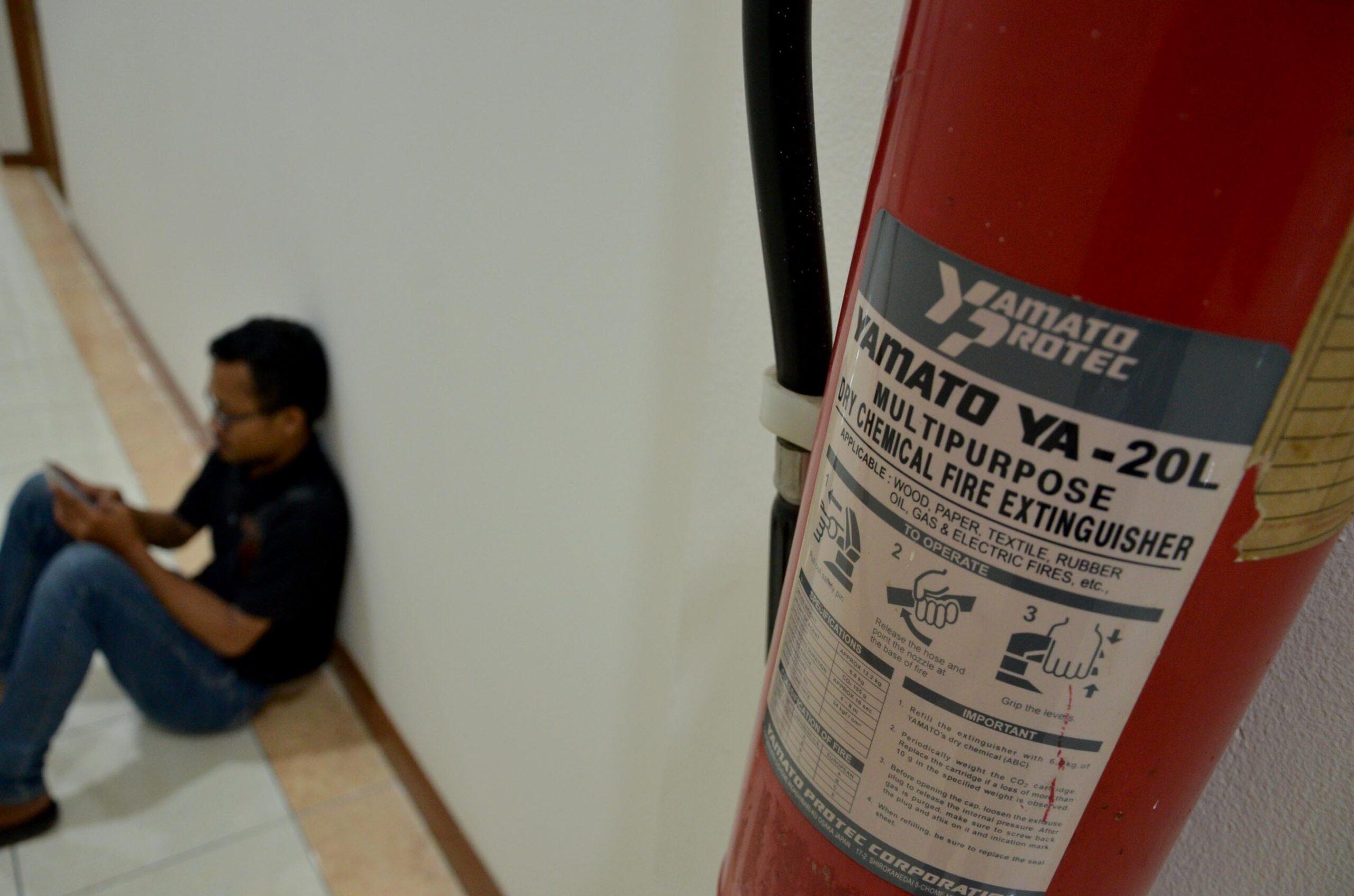 Ilustrasi Alat Pemadam Kebakaran.