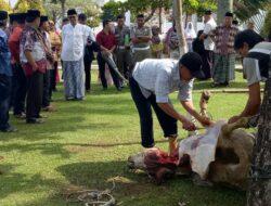 Masyarakat Kurang Mampu Peruntuhan Daging Kurban di Gubernuran