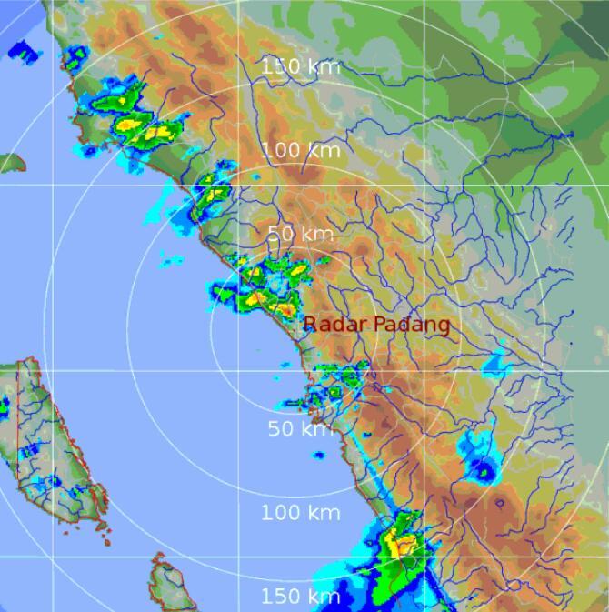 Pantauan Radar cuaca pukul 15.45 wib,selain daerah tersebut diatas awan awan hujan juga terpantau merata di Kota Padang