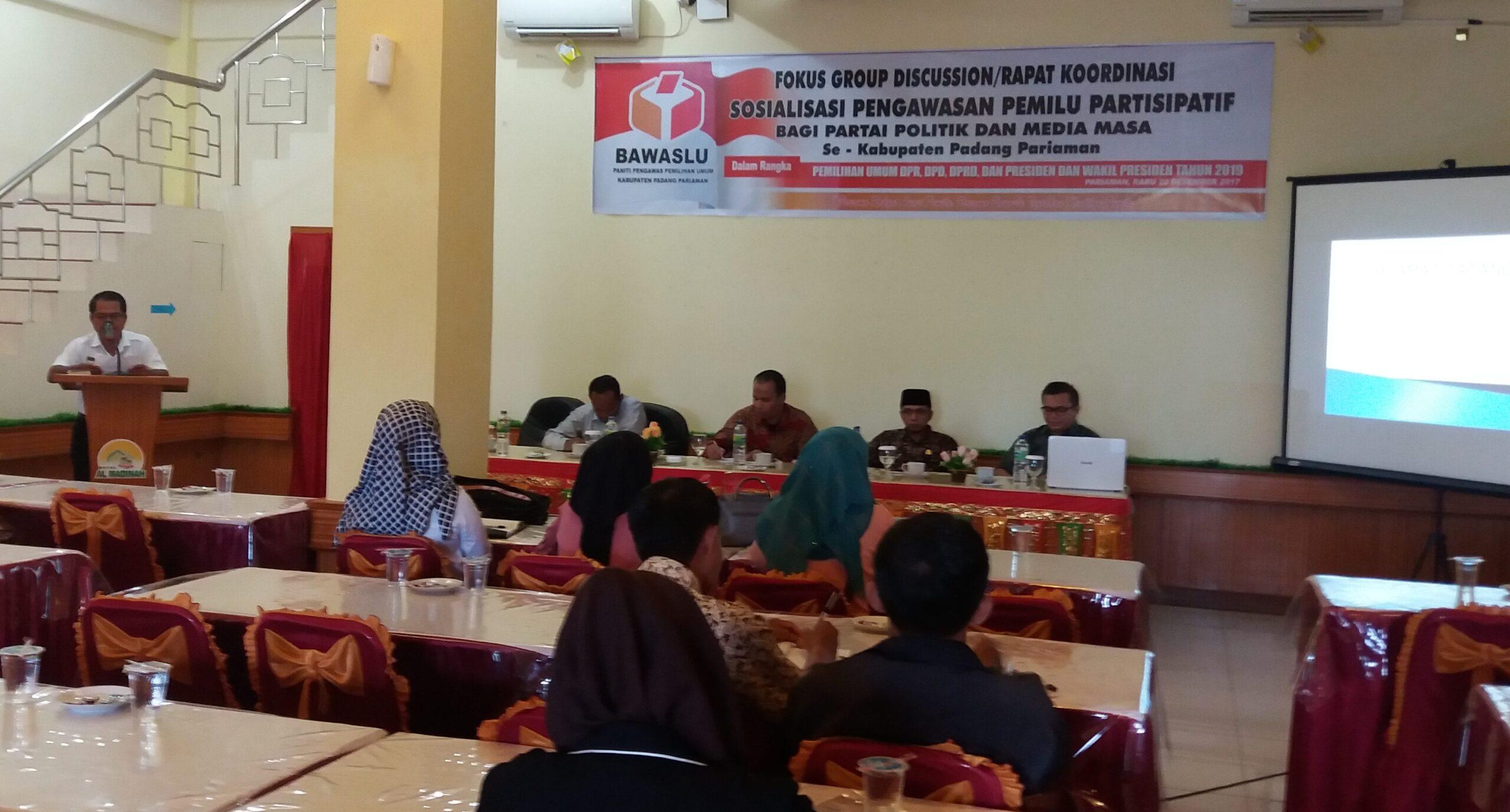 Sosialisasi pengawasan Pemilu Partisipatif bagi Partai Politik dan media massa se-Kabupaten Padang Pariaman digelar oleh Panwaslu. Foto : Rizki Pratama