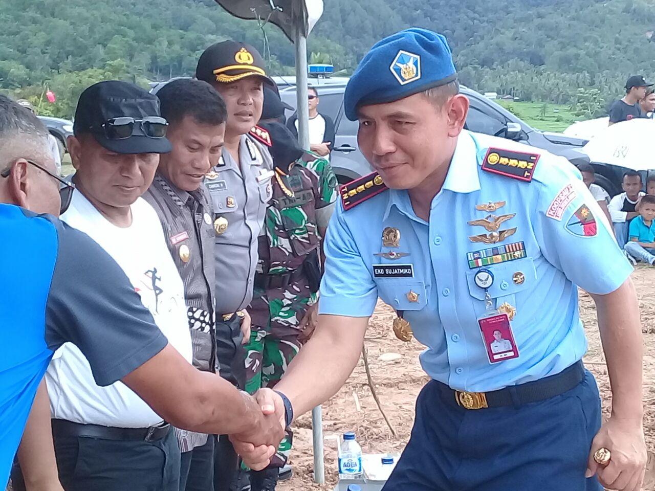 Danlanud Sutan Sjahrir Kolonel PnB Eko Sujatmiko usai menyampaikan amanat Kejurnas Gantole Seri 3.