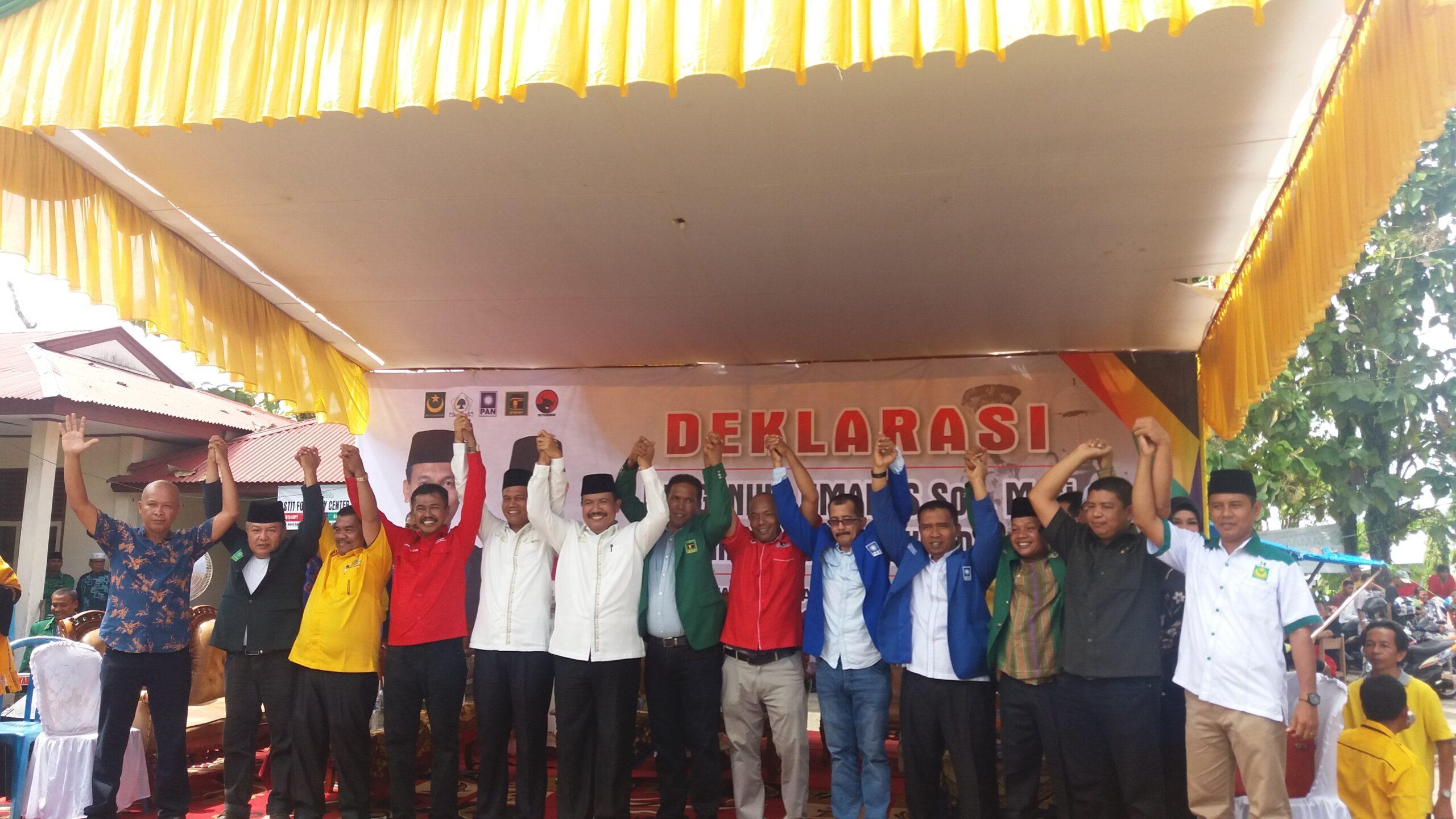 Deklarasi pasangan calon (paslon) Walikota dan Wakil Walikota pada Pemilihan Kepala Daerah (Pilkada) Kota Pariaman 2018, Genius-Maedison di halaman kampus STIT Kota Pariaman, Minggu, (8/1/2018).
