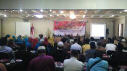 Badan Nasional Penanggulangan terorisme (BNPT) dan Forum Koordinasi Pencegahan Terorisme (FKPT) Sumatera Barat melaksanakan kegiatan penguatan kapasitas penyuluh agama dalam menangkal radikalisme di Hotel Taufina Kota Solok, Rabu (24/4/2018)