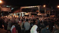 Jajaran Mapolresta dan Polsek menciduk ribuan pelajar SMA di Padang, Sumatera Barat dan mengamankan ratusan kendaraan yang digunakan ketika konvoi dan aksi corat-coret baju seragam saat merayakan kelulusan. Kamis (3/5/2018). Al Ikhlas/Kabarsumbar Image.