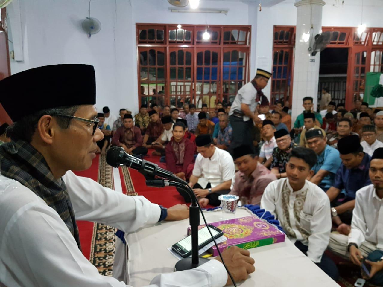 Gubernur Sumbar Irwan Prayitno saat Safari Ramadan di Simalanggang, Kabupaten Lima Puluh Kota. Foto : Humas Pemprov