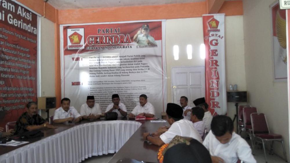 Suasana rapat di kantor DPC Gerindra Kabupaten Solok, Sumatera Barat. Photo : Fernandez