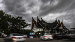 Kantor Perwakilan (KPw) Bank Indonesia (BI) Provinsi Sumatra Barat, Jalan Jend. Sudirman No.22, Jati Baru, Kecamatan Padang Timur, Kota Padang, Sumatera Barat. Dokumen : @tanharimage