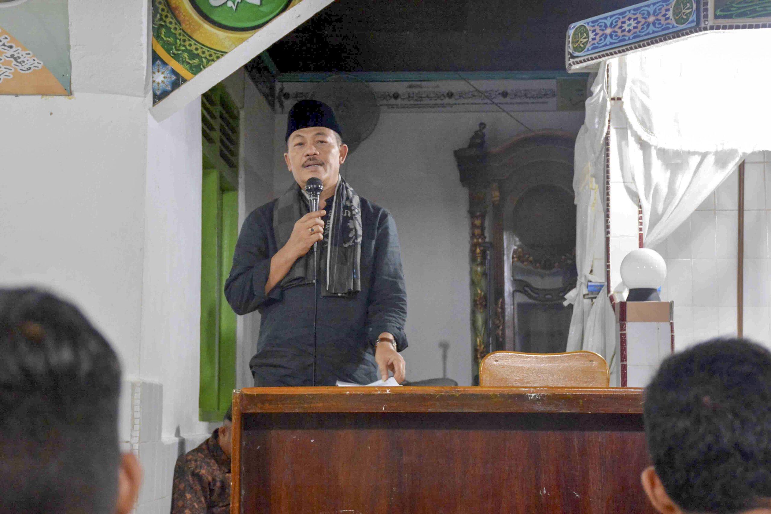 Wakil Bupati Tanah Datar, Sumtera Barat (Sumbar) Zuldafri Darma saat Safari Ramadan 1439 H, di Masjid Nurul Huda, Taluk, Kecamatan Lintau Buo, Kabupaten Tanah Datar, Sumatera Barat. Photo : Rehan