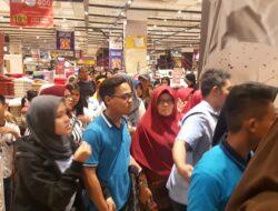 Gempa Darat Guncang Padang, Warga Berhamburan