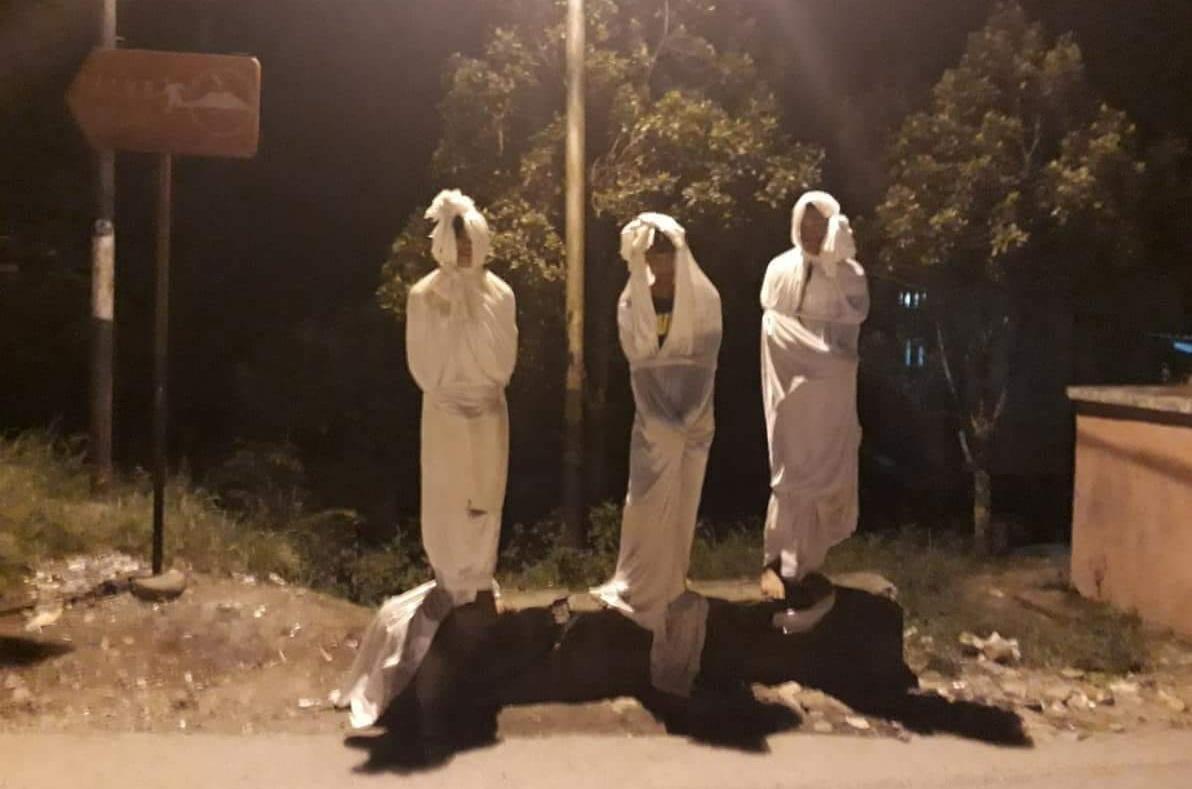 Tiga Pocong ala Sinetron disanksi warga berdiri sampai pagi