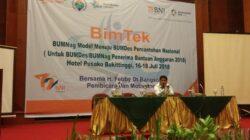 Ketua Forum Bumdes Indonesia Febby Dt Bangso memberikan motivasi kepada pengelola Bumnag. Foto : Hijrah Adi Sukrial