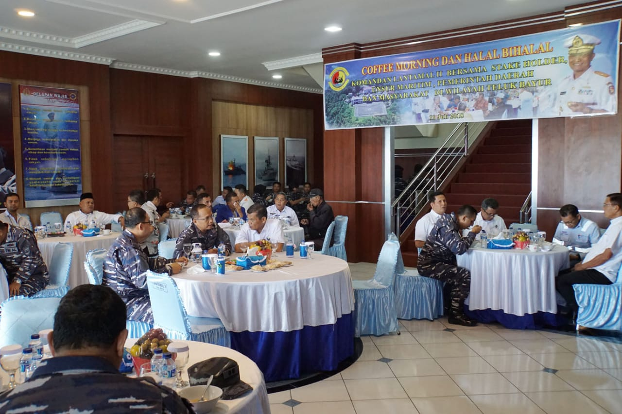 Perkuat Tali Silaturahmi, Komandan Lantamal II Coffee Morning Bersama Unsur Maritim dan Swasta, di Mako Lantamal II, Kota Padang, Sumbar, Rabu (11/7/2018)