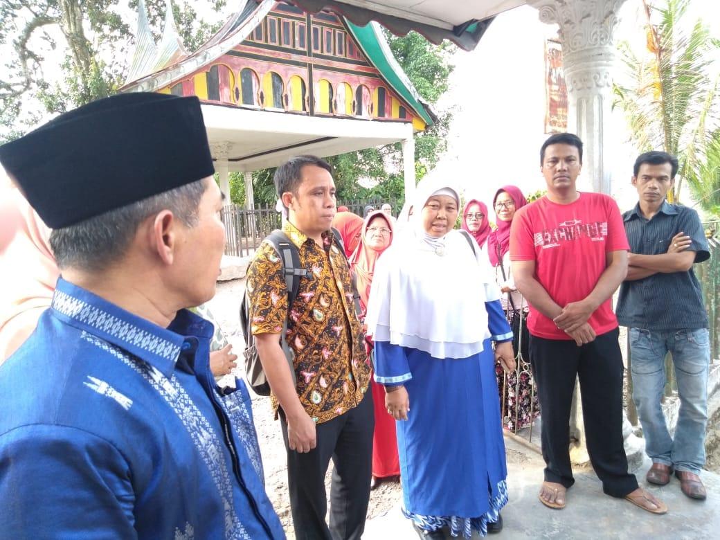 Tim dari Unand meninjau Nagari Salayo, Kabupaten Solok