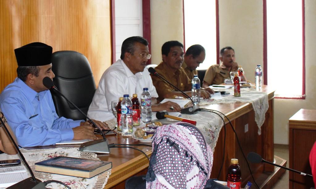 Bupati Solok Gusmal memimpin Rapat Evaluasi SUBP. Foto : Fernandez