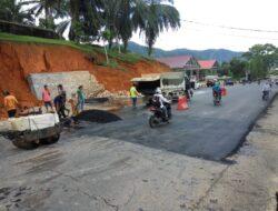 Jalur TdS Retak Depan Kantor Bupati Sijunjung Sudah Diperbaiki
