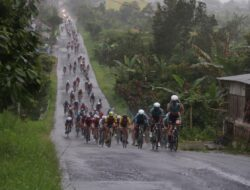 Tour De Singkarak Harga Diri Kota Bukittinggi