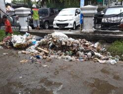 Kota Padang Kekurangan 52 Kontainer dan 40 Unit Truk Pengangkut Sampah