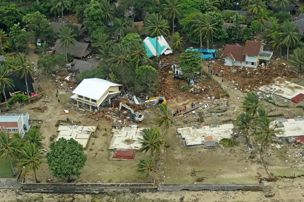 foto udara di daerah yang terpapar dan telah dapat diakses oleh tim SAR gabungan
