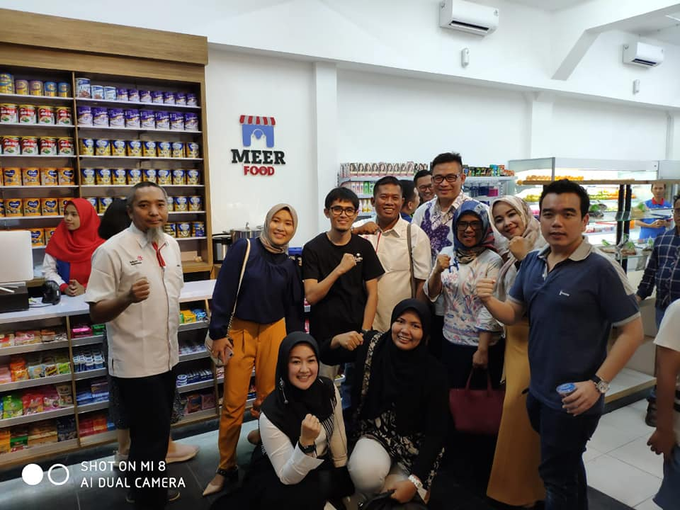 MEER Convenience Store by Roy Romi