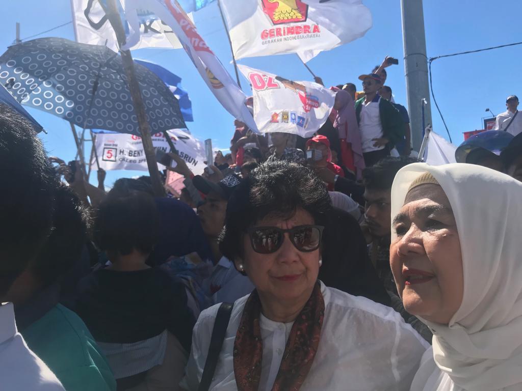 Bianti Djiwandono berbaur dengan masyarakat Sumbar saat kampanye Capres 02, Prabowo Subianto, Selasa (2/4/2019)