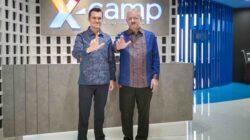 Chief Enterprise and SME Officer XL Axiata Kirill Mankovski dan Head of Ericsson Indonesia Jerry Soper saat melakukan kemitraan dalam memperkuat kehadiran IoT di Indonesia. Foto : Istimewa