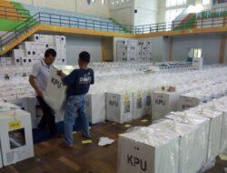 Injak Hari Kedua, KPU Agam Distribusikan Logistik pada Tujuh Kecamatan