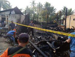 Dini Hari, Tiga Rumah Warga di Talang Solok Ludes Terbakar