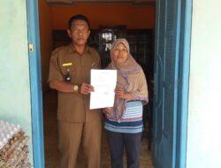Graduasi, Dua KK di Desa Sikapak Barat Mundur dari PKH