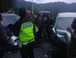 9 Korban Luka-Luka Akibat Kecelakaan Beruntun di Kayu Jao Solok