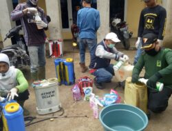 Masyarakat Puncak Pato Cegah Covid-19 Dengan Semprotkan Disinfektan