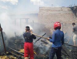 Rumah Semi Permanen Terbakar di Ampek Angkek Agam