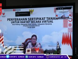 Kementerian ATR/BPN Bagikan 1700 Sertifikat Tanah Rakyat Sumbar