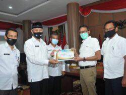 Berulang Tahun, Kota Padang Beri Penghargaan Pada Tokoh Masyarakat