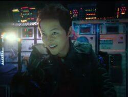 Corona Gelombang Dua, Film Baru Song Joongki dan Joe Taslim Tunda Tayang