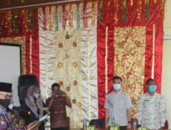 Bupati Pasbar Lantik Tujuh Anggota Badan Musyawarah Nagari