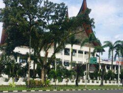 Bakal Adanya Turun Aksi, Gedung DPRD Sumbar Dipagari Kawat