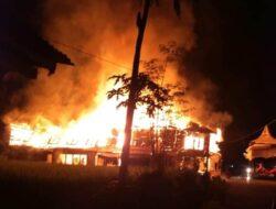 4 Bangunan di Padang Pariaman Ludes Terbakar, Kerugian Hingga Rp 800 Juta