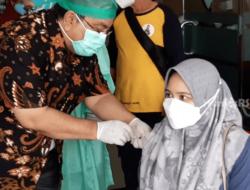 75 Persen Nakes di Sumbar Sudah Vaksinasi Covid-19