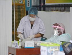 Padang Panjang Lakukan Vaksinasi Susulan Untuk Nakes