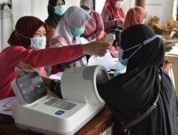 65 Nakes Jalani Vaksinasi Susulan di Padang Panjang