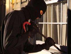 Pencuri Peralatan Komputer Kantor Wali Nagari Kinali Diringkus Polisi