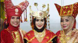 Perlengkapan Pakaian Adat Sumatera Barat