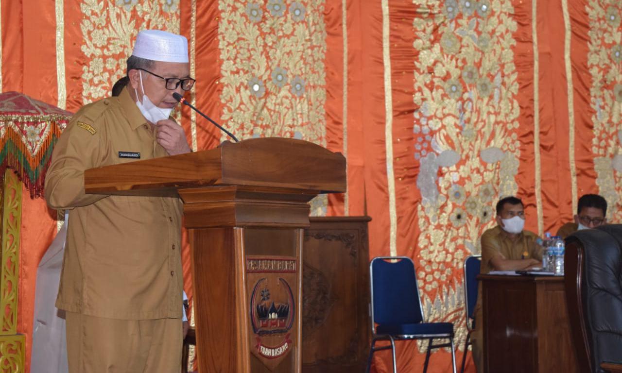 Bupati Pasbar Hamsuardi sampaikan jawaban pemerintah atas laporan Banggar Rancangan Peraturan Daerah (Ranperda) Pertanggung jawaban APBD
