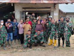 Foto Bersama Jadi Kenangan Kebersamaan Satgas TMMD Regtas Ke 111 Kodim 1202/Skw Dan Warga.
