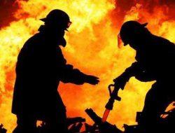 Kebakaran Hanguskan Tiga Rumah Kayu di Payakumbuh