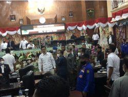 Anggota DPRD Kabupaten Solok Nyaris Adu Jotos, Paripurna di Skors