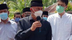 Gubernur Sumatera Barat Mahyeldi Ansarullah usai pemakaman Mantan Wagub Sumbar Nasrul Abit di Air Haji, Pesisir Selatan, Sabtu 28 Agustus 2021. Foto : Istimewa