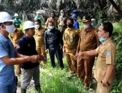 PT BSS Bantah Buang Sampah ke Sungai Saat Disidak Bupati Pasbar